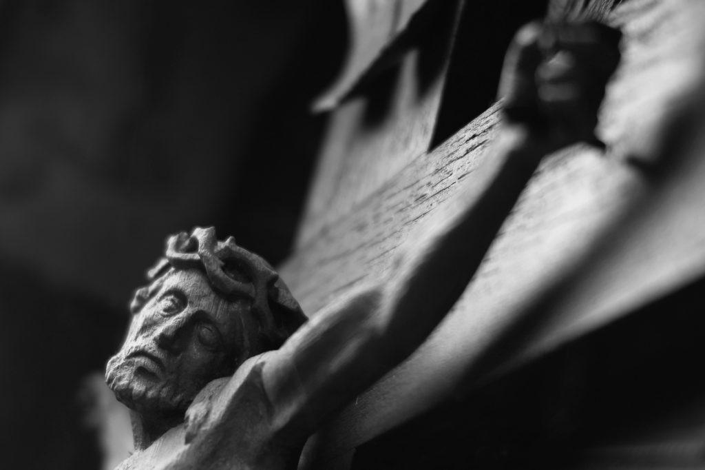 dia y hora de la muerte de jesus