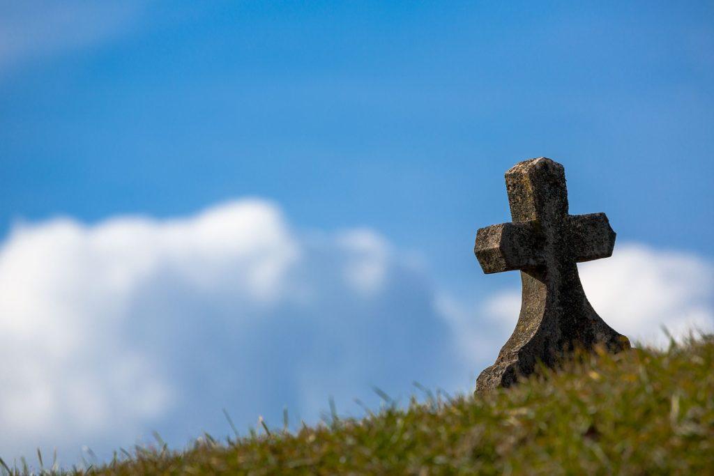 jesus fue puesto en la tumba de otro hombre