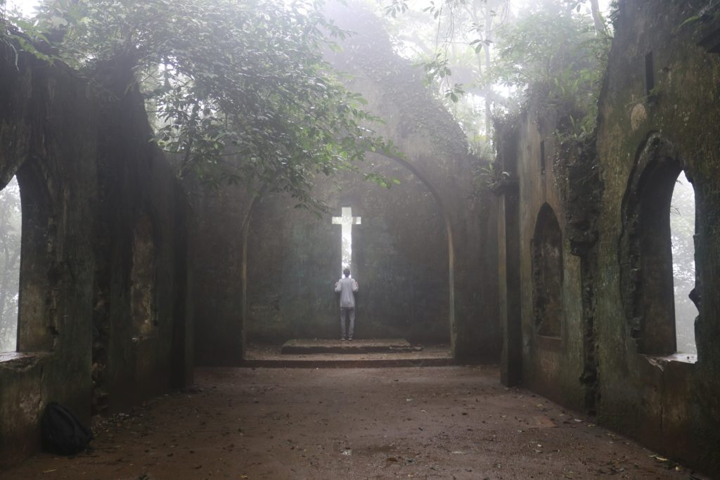 como muestra la cruz el amor de dios
