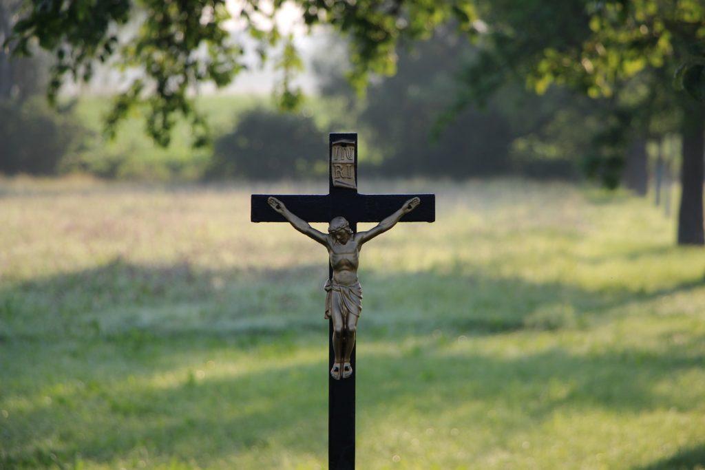pablo crucificado con cristo